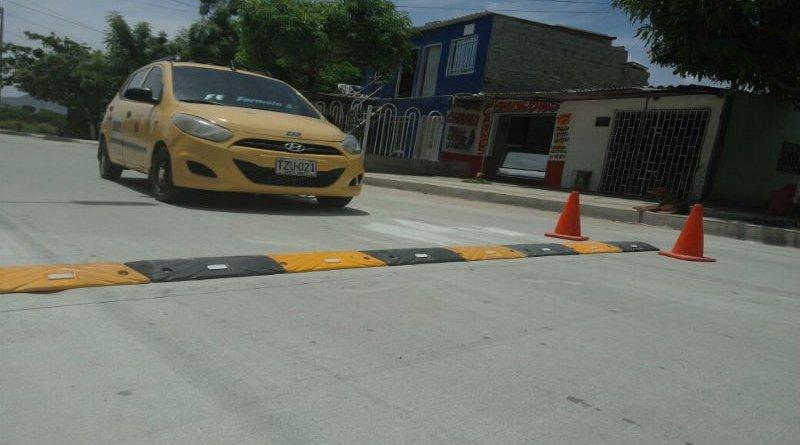 Taxistas no aguantan un reductor de velocidad más en la ciudad